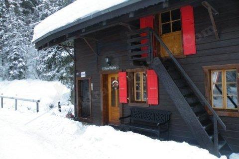 KARTEPE Günlük Kiralık Dağ Evi Kayak Merk Yakın, Şömineli